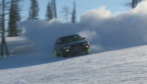 Audi 200 Turbo Tears Up A Snow-Covered Mountian