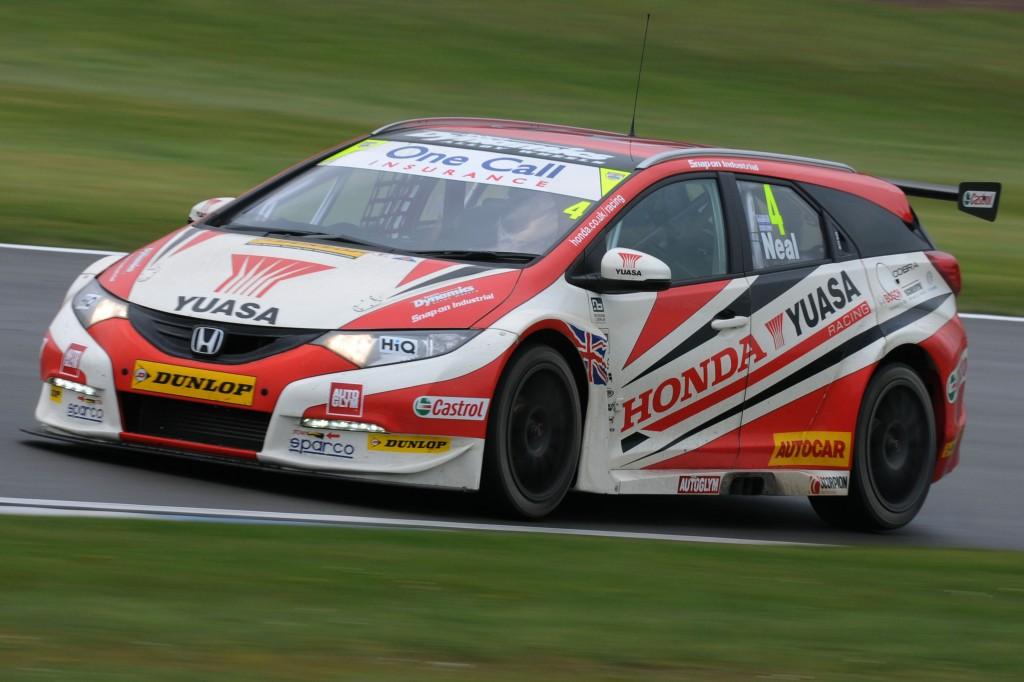 Matt Neal (GBR) Honda Yuasa Racing Team Honda Civic Tourer