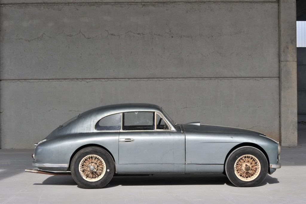 Aston-Martin-DB2-3