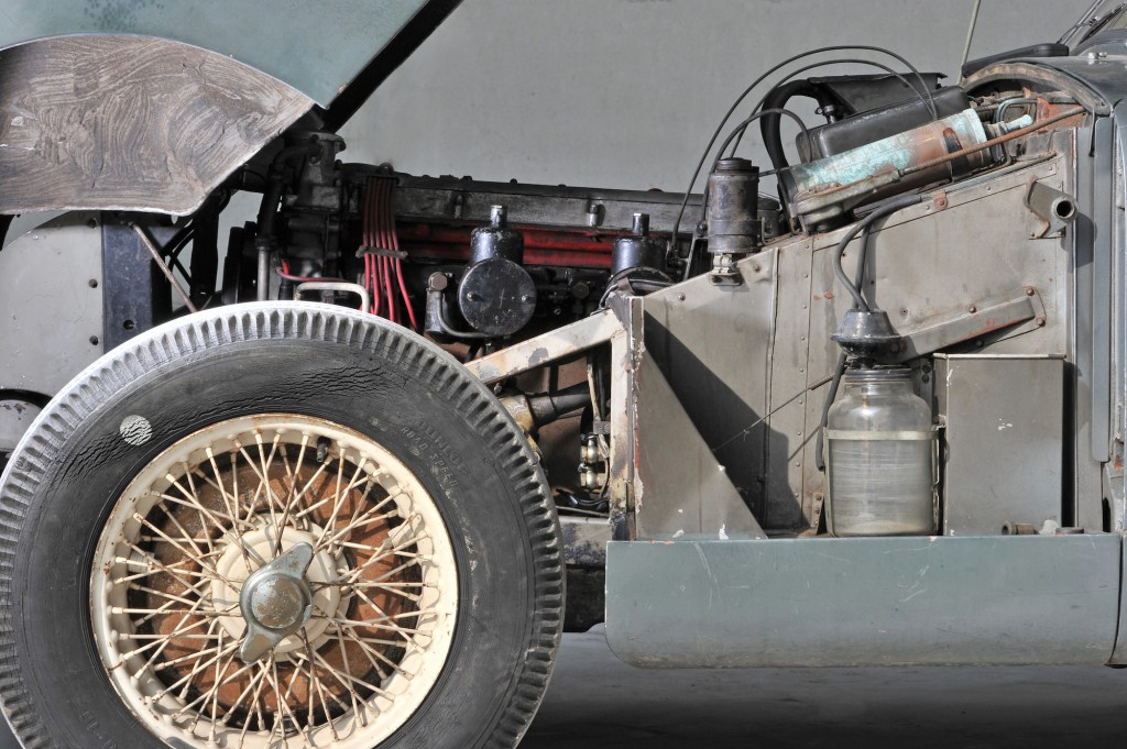 Aston-Martin-DB2-9