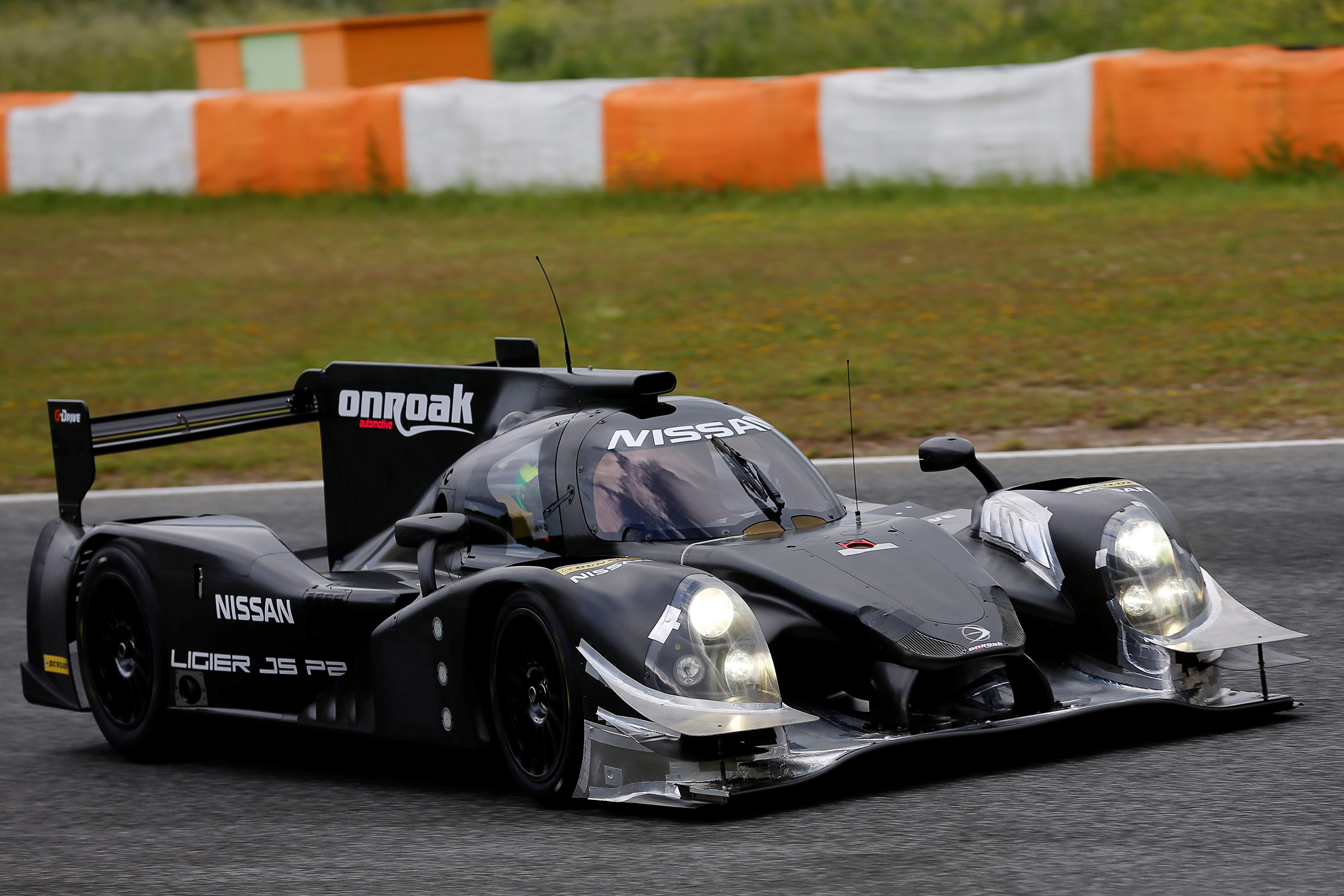 four gamers to compete at legendary le mans 24 hours for nissan build race party. Black Bedroom Furniture Sets. Home Design Ideas