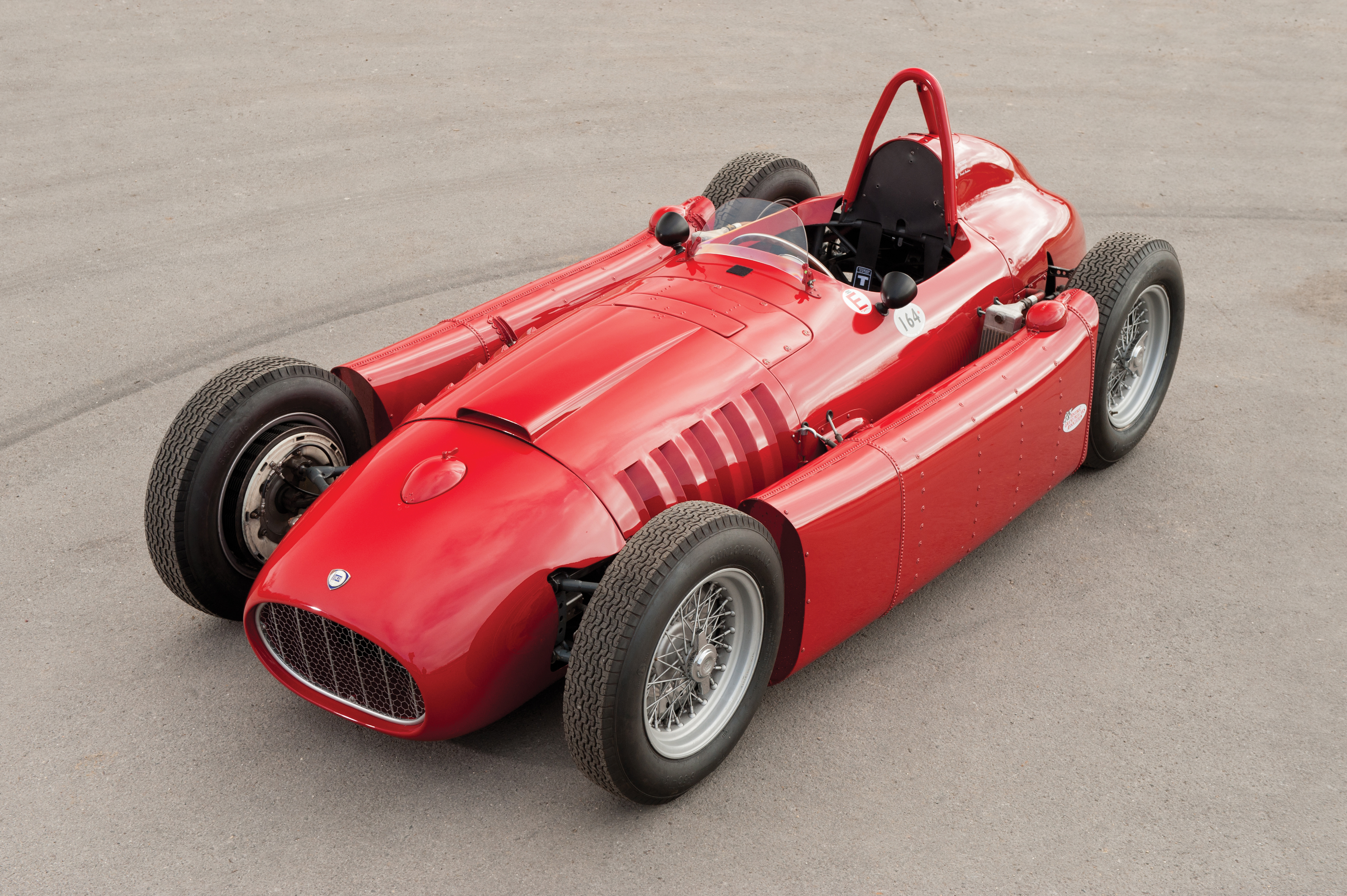 1955 lancia d50a formula one build race party ferrari raced the d50s only twice in the remainder of 1955 before beginning to modify the cars for the 1956 season whilst ferrari badges appeared on the vanachro Gallery
