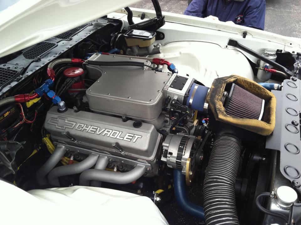 engine of white TA