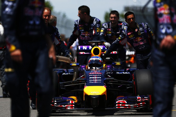 DANIEL RICCIARDO TAKES MAIDEN WIN IN MONTREAL THRILLER