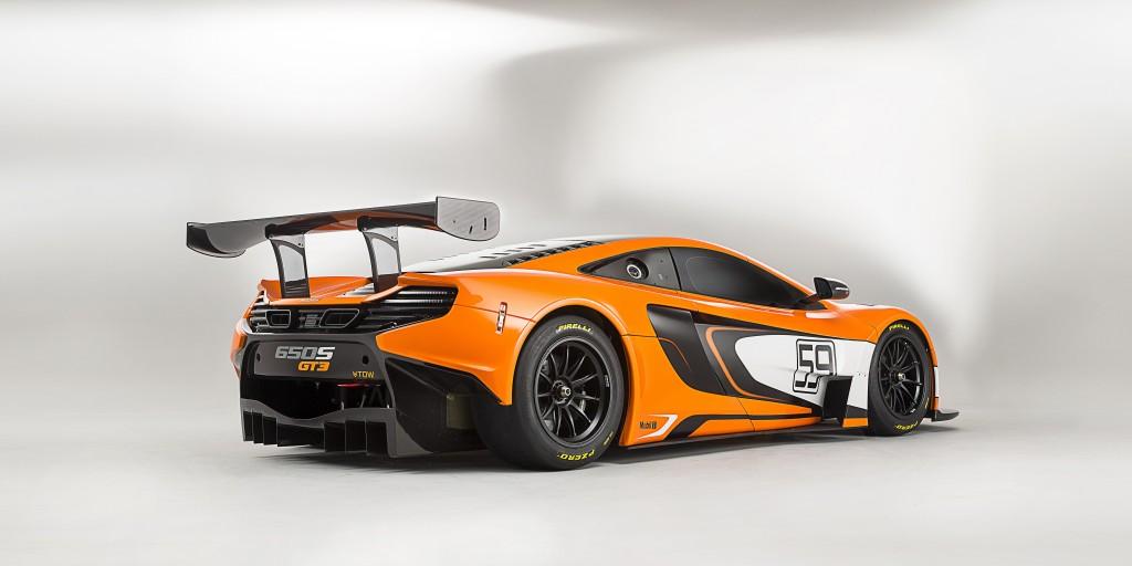 McLaren_650S_GT3_rear3q