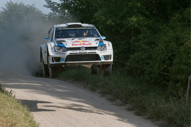 COMMANDING ONE-TWO VICTORY IN POLAND: VOLKSWAGEN CONTINUES WRC SUCCESS