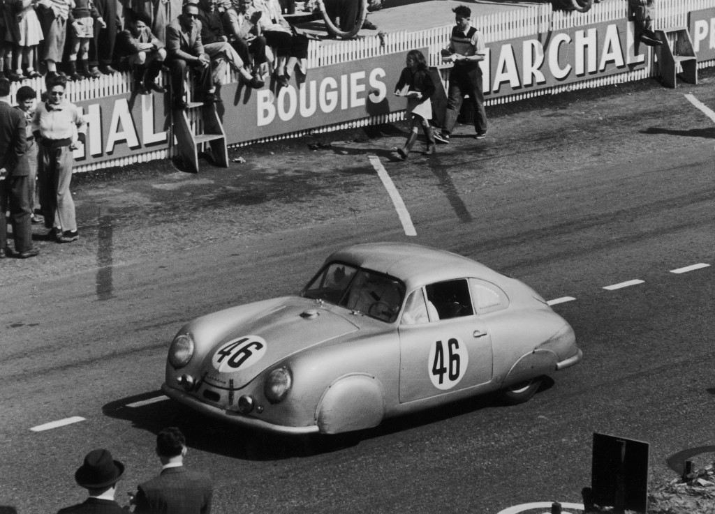 Porsche_356_debuts_at_Le_Mans_first_race_1951