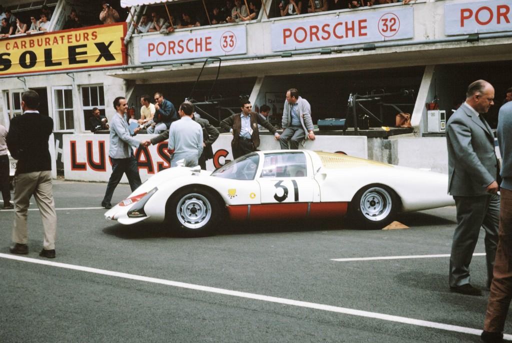 Porsche_906_Le_Mans_1966