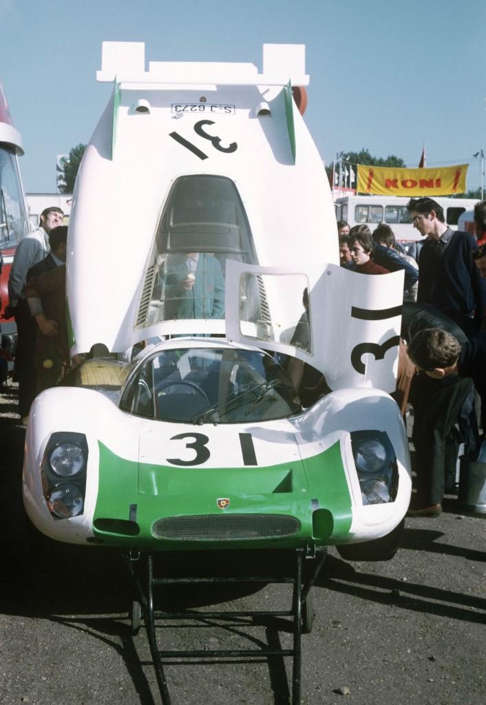 Porsche_908_LH_Le_Mans_1968