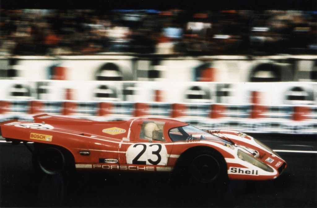 Porsche_917_winner_Le_Mans_1970_driven_by_Attwood_and_Herrmann