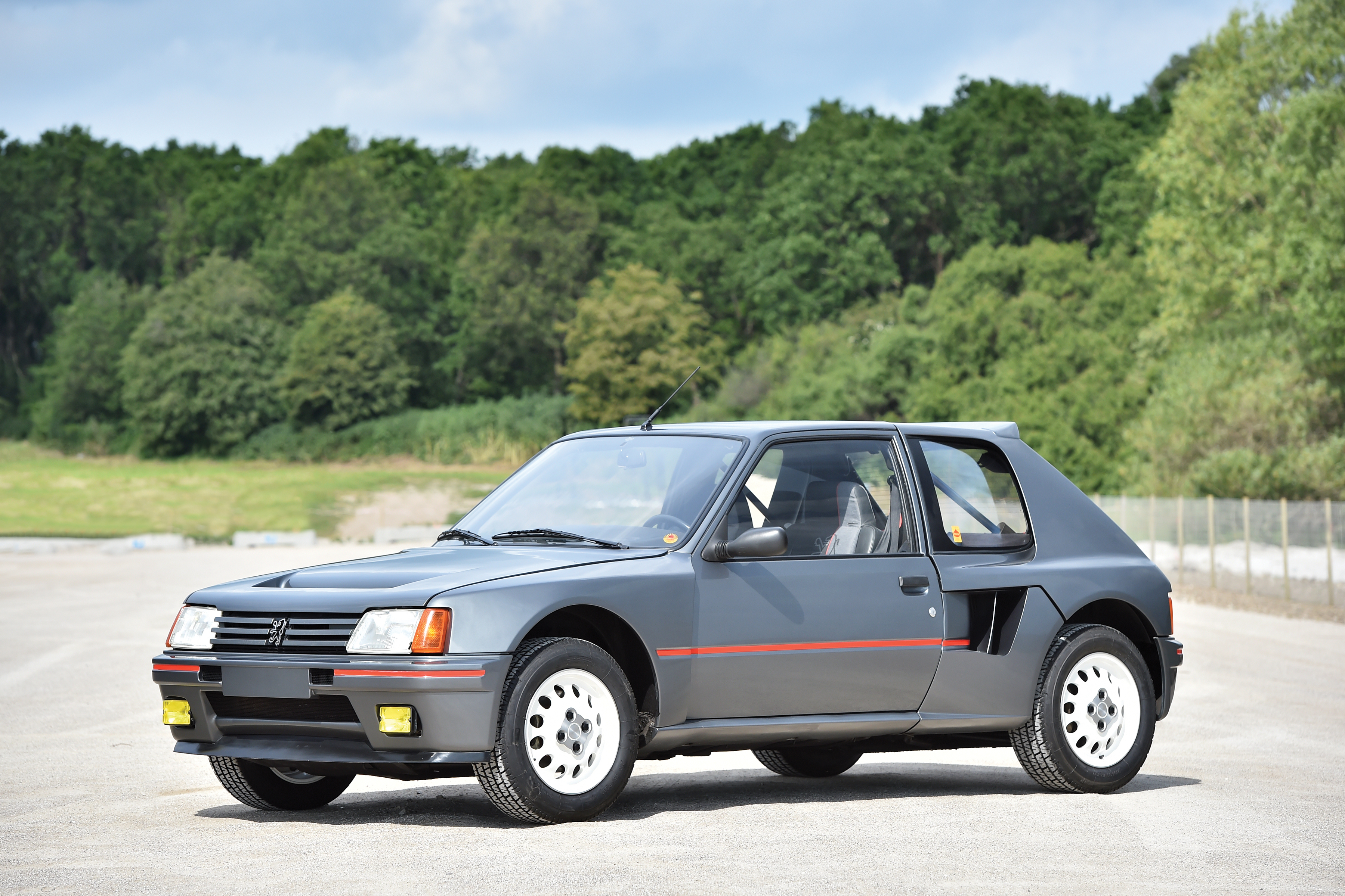1984 peugeot 205 turbo 16 build race party. Black Bedroom Furniture Sets. Home Design Ideas