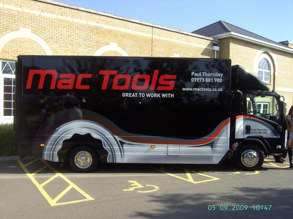 Mac Isuzu 3