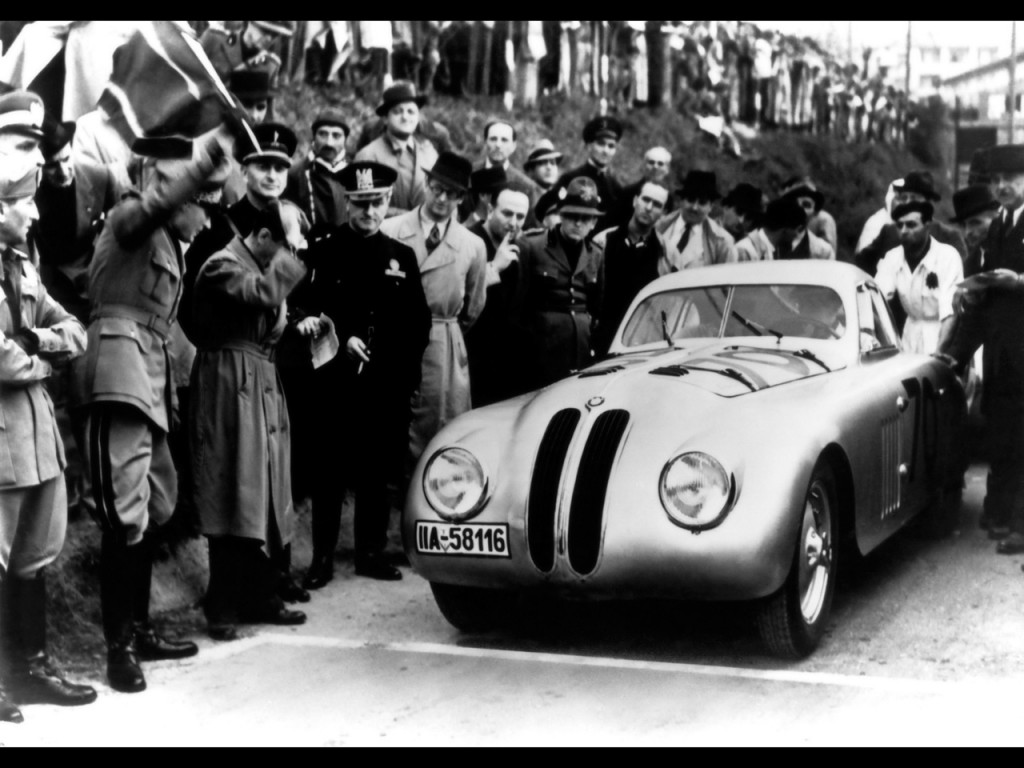 BMW 328 Touring Coupé at the start of the1940 Mille Miglia