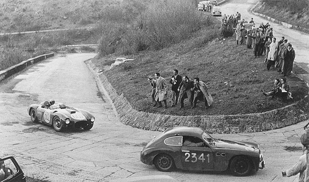 1954 mille miglia - alberto ascari (lancia d24) passing brandoli-claes (marino-fiat)