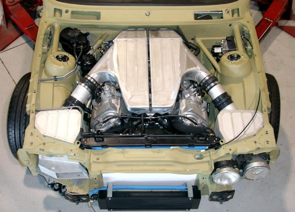 E30 M3 engine bay top view