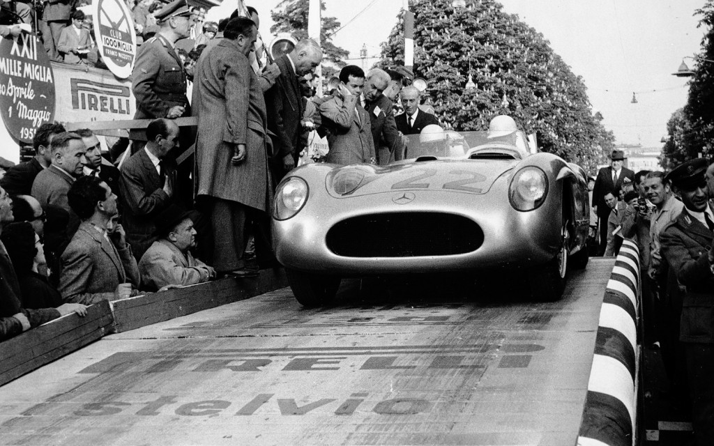 stirling-moss-and-denis-jenkinson-mercedes-benz-300-slr-in-1955-mille-miglia-front