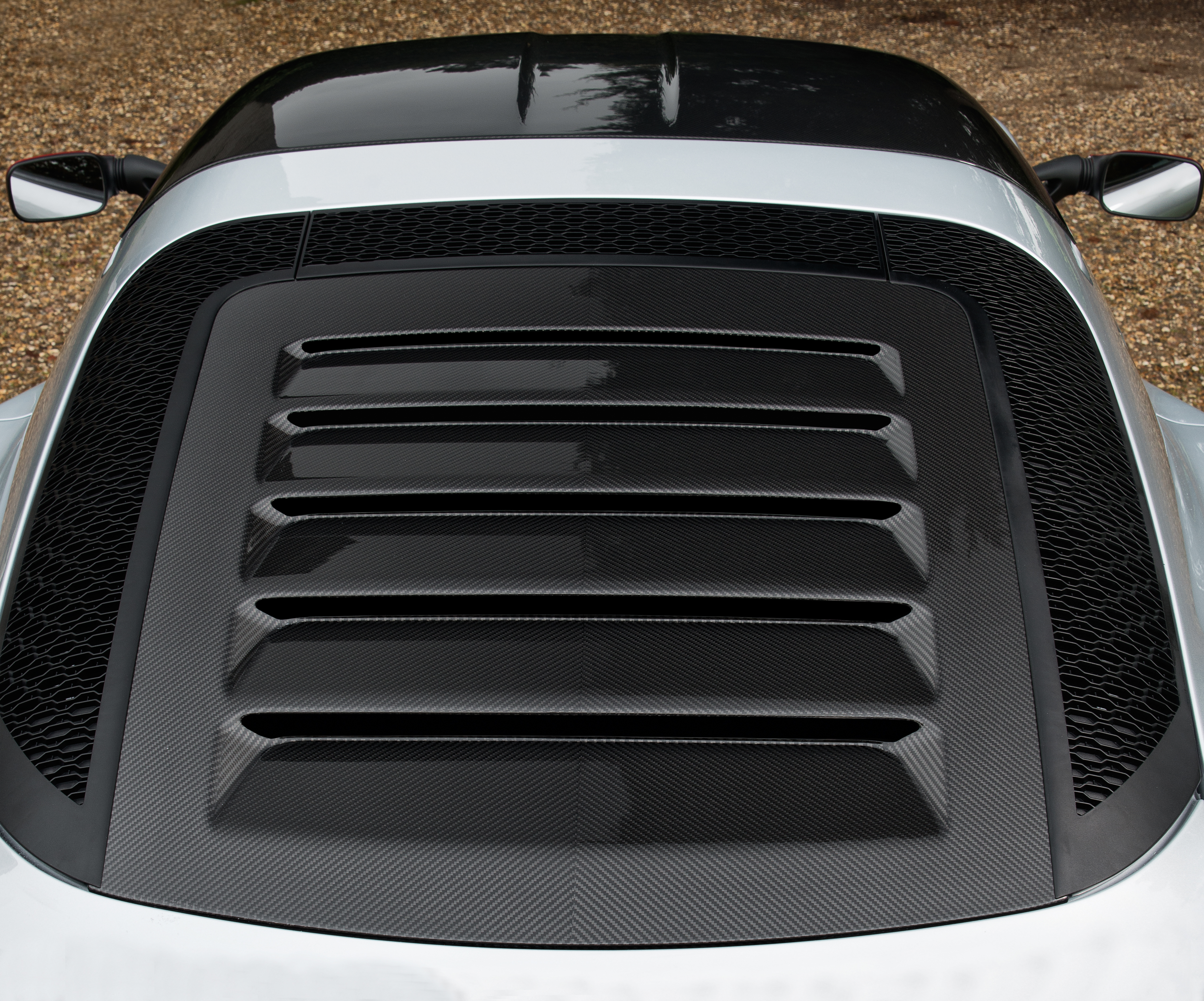 exige-sport-380-carbon-tailgate